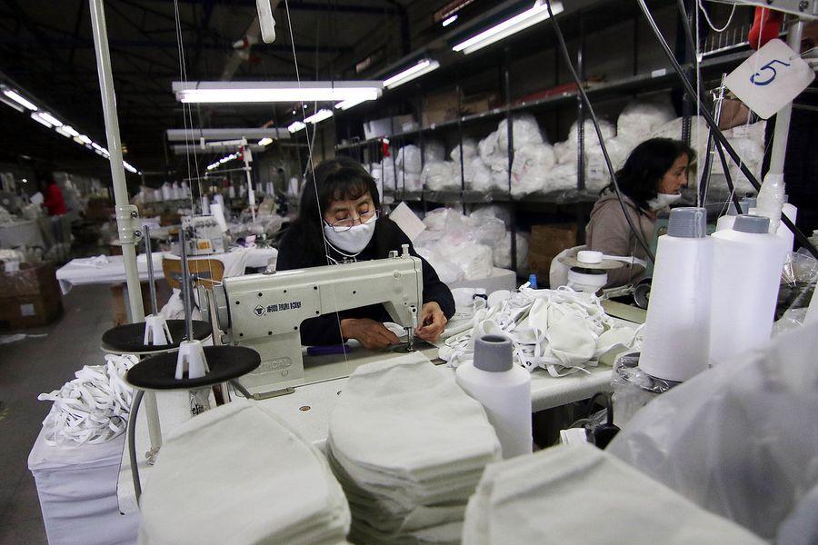 """Economistas mantienen proyecciones de crecimiento para el año pese a """"tropezón"""" de agosto"""