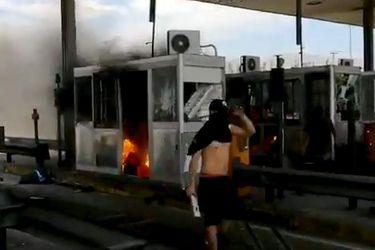 Autopistas reportan daños al MOP: más de 50 plazas de peaje han sido objeto de violencia