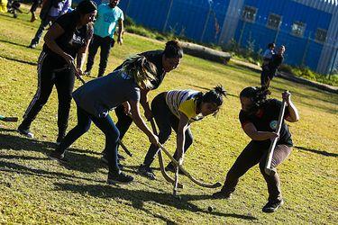 Las mujeres mapuches buscan liberarse del machismo con el deporte tradicional