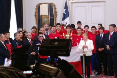 Bachelet y deportistas