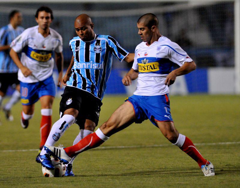 Imagen del partido entre Gremio y la UC, en 2011.