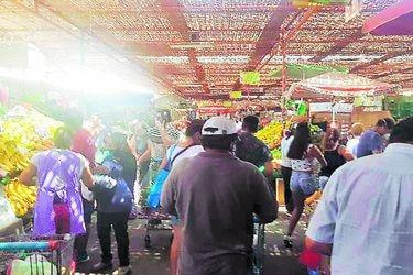 Arica se llenó de filas en los supermercados tras anuncio de cuarentena