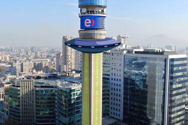 """Un Ovni, un cohete espacial y un semáforo: las ideas para """"vestir"""" la Torre Entel por 11 días"""