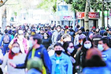 Minsal reporta 1.004 nuevos contagios de coronavirus y 6 decesos: Casos activos bajan de los 9 mil por primera vez en casi seis meses