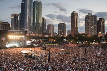 Vuelve Lollapalooza: el mayor festival de la pandemia comienza en medio de alza de casos y permitiendo ingreso de no vacunados