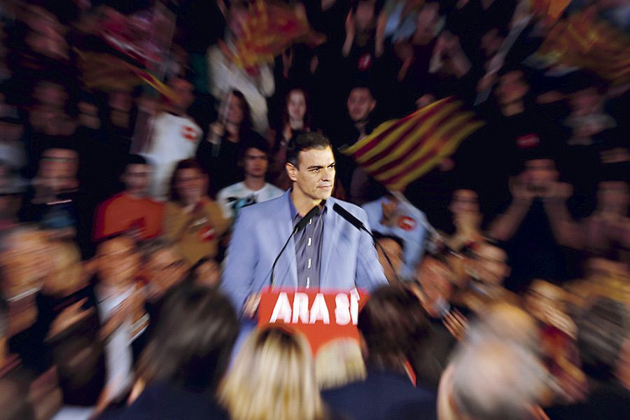 Spanish-acting-Prime-Minister-and-Socialist-Workers'-Party-(PSOE)-leader-Pedro-Sanchez--attends-(47243657)