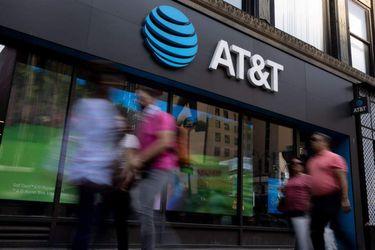 Matriz de VTR compra en US$ 1.900 millones las operaciones de AT&T en Puerto Rico