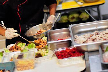 Sin abrir hasta nuevo aviso: La incertidumbre de empresas de gastronomía y entretención en medio de plan de reapertura de malls