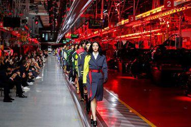 Ferrari presenta su primera colección de moda y apunta a hombres y mujeres