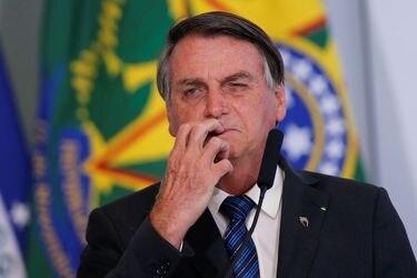 """Bolsonaro afirma que eventual vacuna contra el coronavirus """"no será obligatoria"""" en Brasil"""