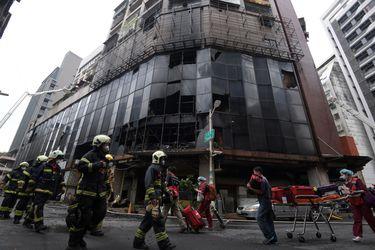 Al menos 46 personas mueren en un incendio en edificio de Taiwán