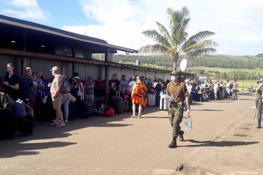 """Turista chilena varada en Rapa Nui: """"La isla no tiene la capacidad de atender a los nativos de acá, mucho menos a los visitantes"""""""