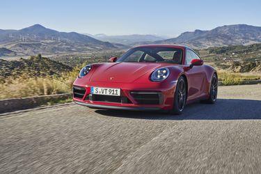 """""""Más de lo que amas"""": Porsche vuelve a la carga con el estreno del 911 GTS"""