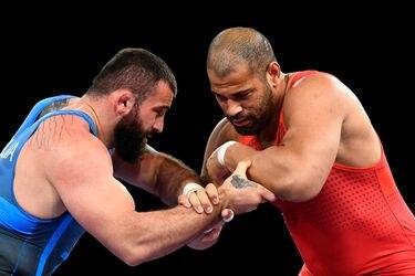 Yasmani Acosta pierde en las semifinales y buscará el bronce olímpico en el repechaje