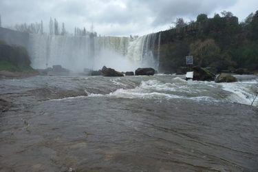 Saltos del Laja lucha contra la sequía: tras últimas lluvias muestra su mayor nivel de agua en 15 años