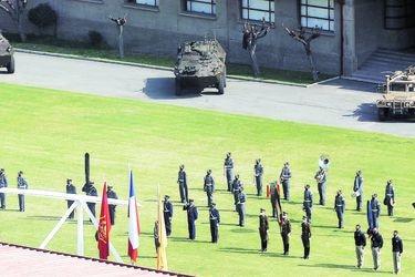 Ejército ensayó inédita ceremonia del 19 en la Escuela Militar
