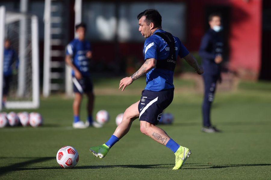 Gary Medel entrena con la selección chilena, en Juan Pinto Durán, de cara al partido amistoso ante Bolivia, que será el debut de Martín Lasarte como nuevo técnico de la Roja.