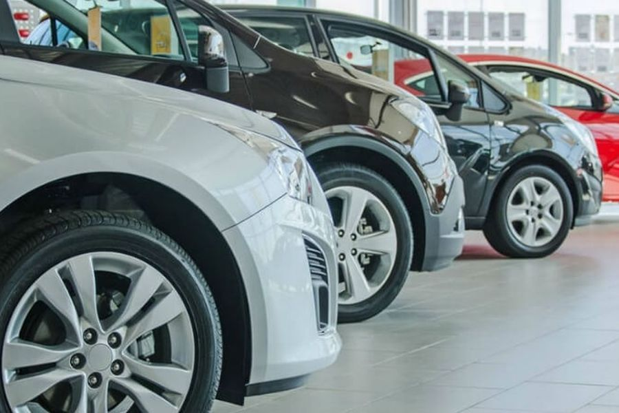 Ventas de autos nuevos volvieron a caer en febrero arrastradas por retraso de desembarcos en el Puerto de San Antonio