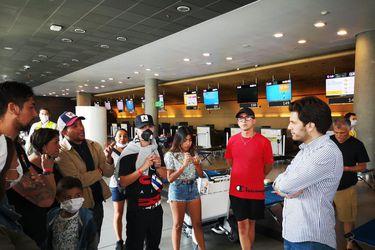 Canciller informa que para hoy esperan la llegada de tres aviones con chilenos atrapados en aeropuertos de la región