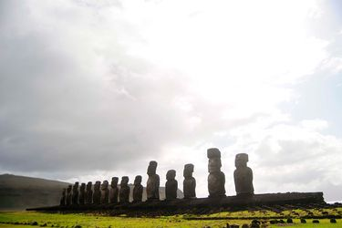 "Rapa Nui: 4 casos confirmados de COVID-19 están ""completamente aislados e identificados"""