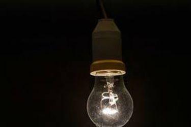 SEC aplica multa por casi $16 mil millones a empresas eléctricas por superar máximo permitido de horas sin suministro en un año