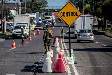 Gobierno anuncia cordones sanitarios para la Región Metropolitana y zona urbana del gran Concepción durante Semana Santa