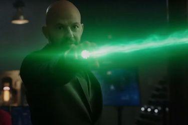 Lex Luthor se siente más que bien en el nuevo trailer de la temporada final de Supergirl