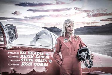 Jessi Combs, reconocida oficialmente por Record Guinness como la mujer más rápida de la Tierra