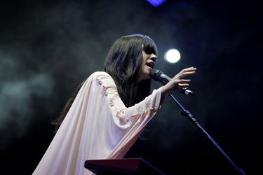 Por 8M: Javiera Mena dará concierto online gratuito desde Rancagua
