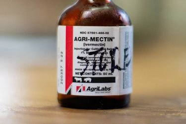 Ivermectina: pese a que no hay evidencia de que sirva para tratar Covid-19 se dispara venta de este antiparasitario en Chile