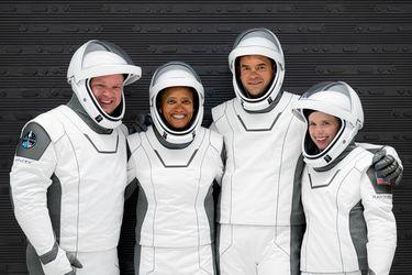 Histórica misión: SpaceX enviará a cuatro civiles y con un mínimo entrenamiento por tres días al espacio