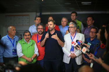 """Consulta ciudadana: Votaron sobre 2 millones de personas y """"más de un 80%"""" apoya nueva Constitución"""