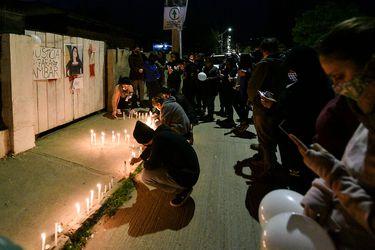 """Realizan """"velatón"""" en Villa Alemana por joven Ámbar Cornejo desaparecida hace una semana"""