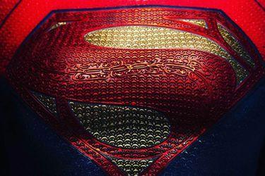 Llegó la hora de Supergirl en el cine: Andy Muschietti desata la especulación con una foto