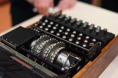 Descomponen con rayos X la máquina Enigma de la Alemania nazi