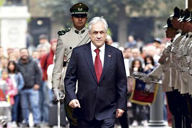 Adimark: Aprobación de Piñera se mantiene pese a fallo favorable de La Haya