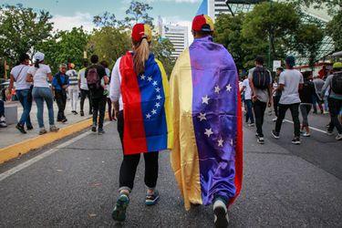 Panel de la OEA urge a Corte Penal Internacional a investigar crímenes de lesa humanidad en Venezuela