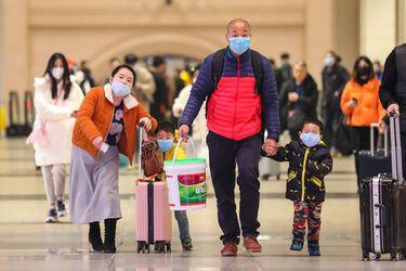 Temor a expansión global del coronavirus contagia a las bolsas mundiales