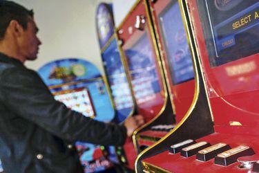 Los nexos políticos del gremio de las máquinas de juego