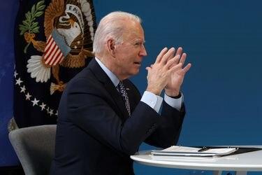 Biden celebra la aplicación de 50 millones de dosis de vacuna contra el coronavirus en EE.UU.