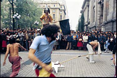 Jorge Brantmayer y las imágenes inéditas del teatro chileno de los 80
