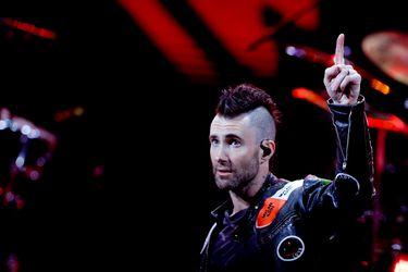 Maroon 5 desilusiona con retraso y frío show