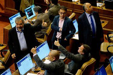 Rol de la DC vuelve a tensionar a la oposición tras aprobación de reforma tributaria en la Cámara