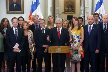 Sebastian Pi–era realiza punto de prensa al termino de la reuni—n de Comisi—n de Infancia