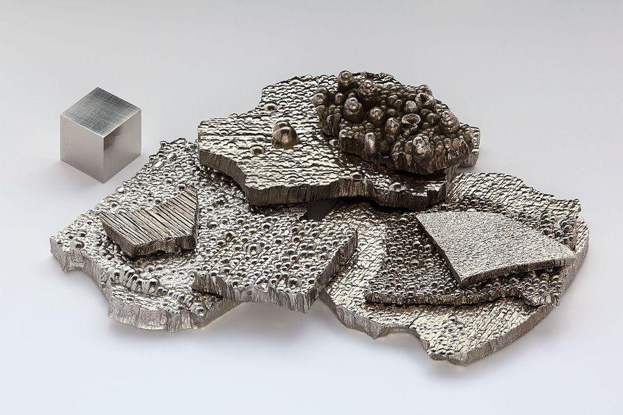 Kobalt_electrolytic_and_1cm3_cube
