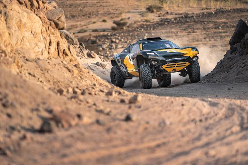 extreme-e-electric-racing-suv_100730243_l