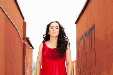 """Claudia Acuña: """"Es difícil hablar cuando eres sobreviviente de abuso doméstico"""""""