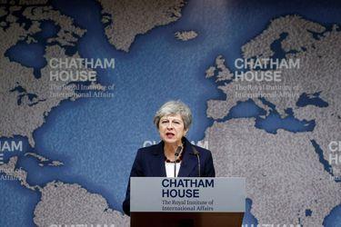 """Theresa May acusa al gobierno británico de amenazar la """"integridad del Reino Unido"""""""
