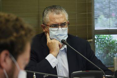 Senadores de Comisión de Hacienda aumentarán la presión para que gobierno priorice eliminar exenciones