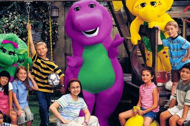 Barney regresa en una película de acción real